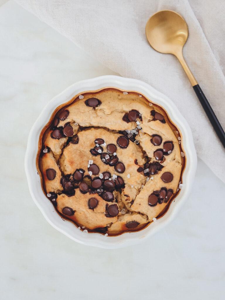 Baked Oatmeal mit Löffel